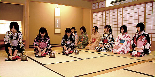 Tea ceremony girls